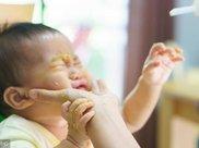 宝宝的这种表现 说明做爸爸不合格 谨记啊!
