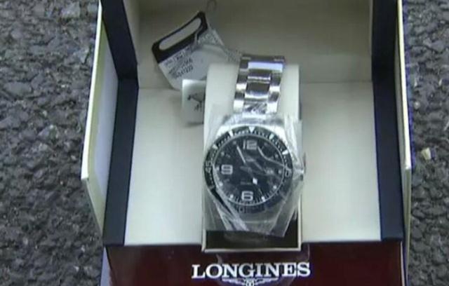 男子京东买浪琴手表,换货又收到原来那块,京东 补偿200优惠券