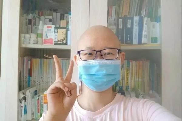 """花百万抗癌被劝放弃 """"求生欲""""不该被道德审判"""
