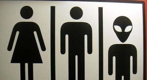每一个学校的厕所都有故事