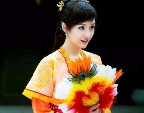 十位手拿扇子的古装美女,陈瑶王艳杨蓉,你觉得谁最有韵味?
