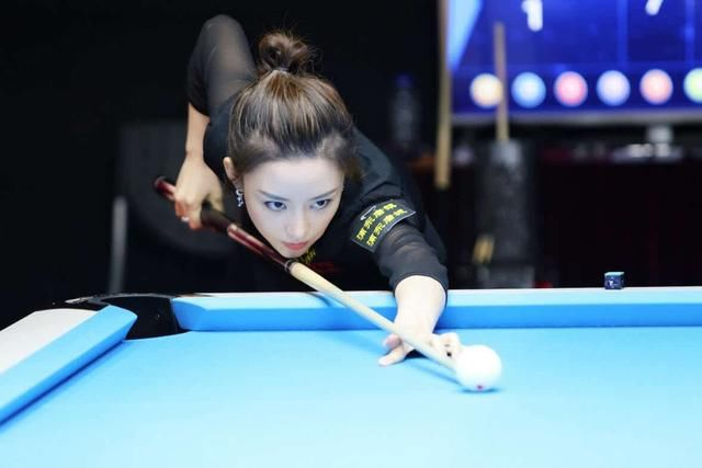 中国体坛第一美女是谁?台球女神潘晓婷入围,你更喜欢哪一款?