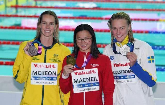 19岁华裔女孩勇夺游泳世锦赛冠军!曾是一名弃婴网友发出感叹