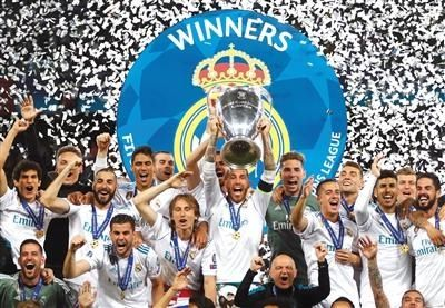 成为皇马主教练以来,齐达内已经拿到了9个冠军奖杯,分别是3个欧冠冠图片