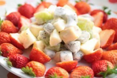 酸奶搭配水果沙拉健康又好吃,平时都能当零食!图片