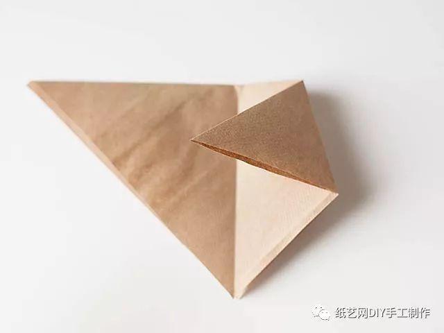 【材料准备】a4彩纸 纸艺简单动物折纸 小狐狸书签 模板: 步骤: 小