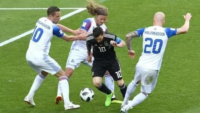 守门员是导演,教练是牙医,冰岛球队究竟是怎么的一种存在!