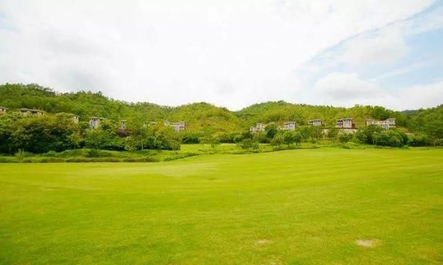 泳池别墅高尔夫特价温泉,不是卖楼,去v泳池而已龙江桂园别墅区碧图片