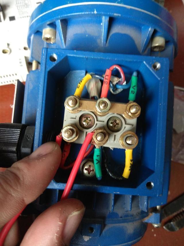电工知识:三相电机可以改成单相吗?3个接点怎么接零火线?
