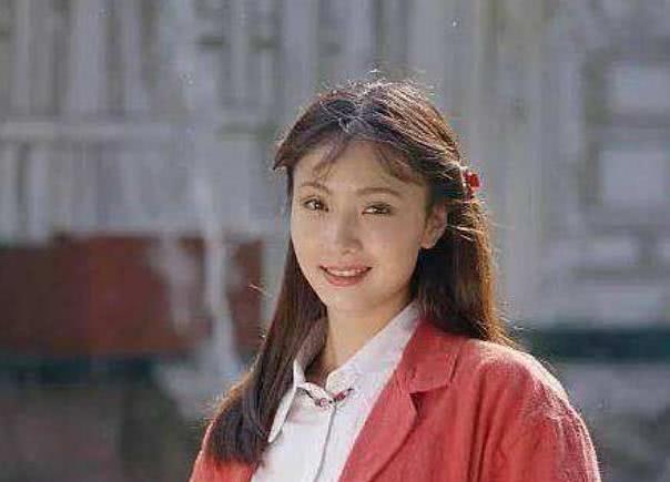 """陶虹年轻时有多美?姜文夸像""""狐狸"""",徐峥第一次见她就涨红了脸"""