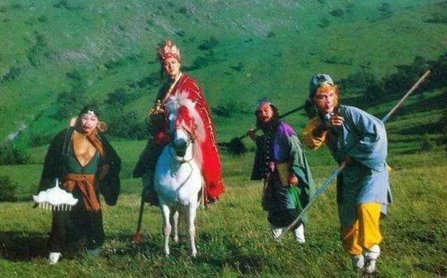 孙悟空作为《西游记》的主要人物,一直倍受人们的喜爱.