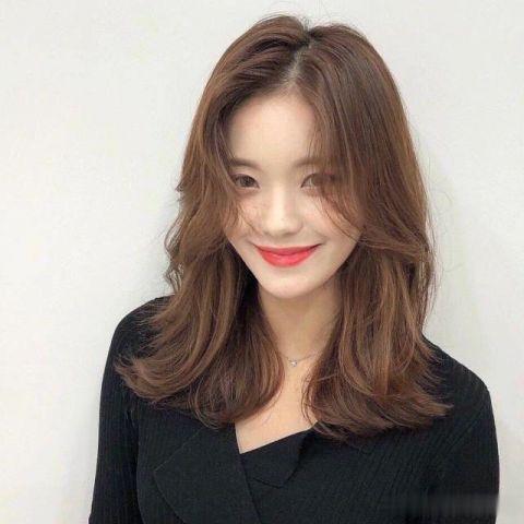 新年新发型,网红发型气垫烫,到底是个造大脸圆脸适合丸子头吗图片
