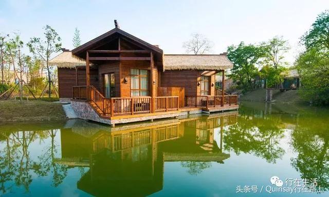 国内 正文  逸扬是凤凰岛唯一的一家温泉度假酒店,汲取了古城扬州丰厚