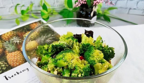 """它是蔬菜之王,被称为行走在餐桌的""""药"""",没吃过的一定要吃"""
