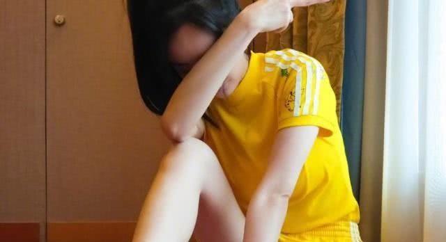<b>女星腿精代表,李溪芮、杨幂上榜,图4的漫画腿是真的服了</b>
