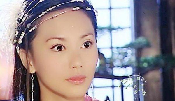 <b>她被称为童年女神,演过苏有朋的妈,今46岁息影多年美艳依旧</b>