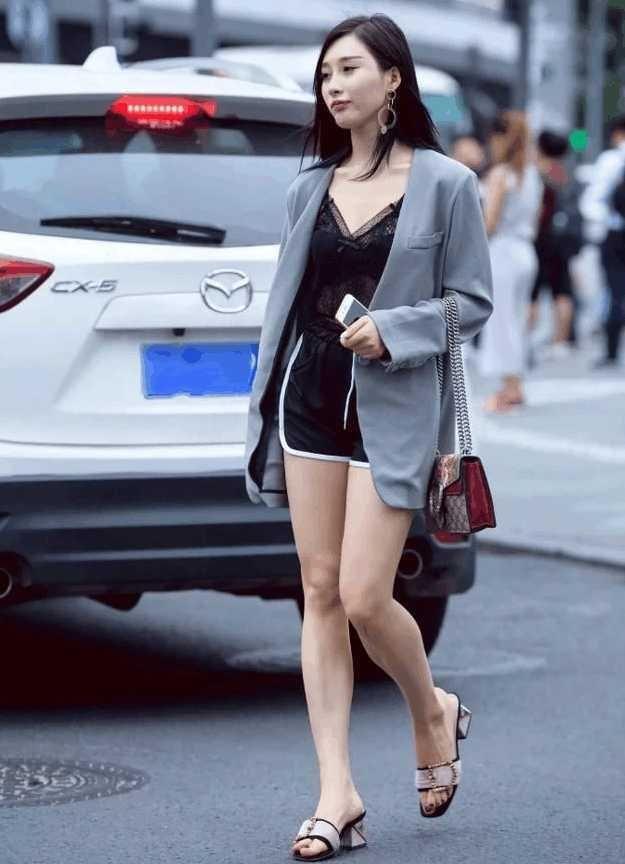 蕾丝小西装外套短款