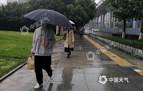 昨日重庆多地狂升近10℃!今后三天阵雨相伴气温缓降阵雨重庆