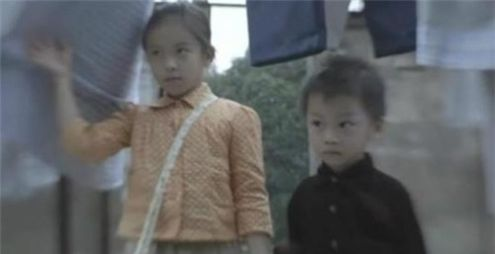 刘涛9岁女儿王紫嫣,李湘10岁女儿王诗龄,差一岁近照却相差10岁