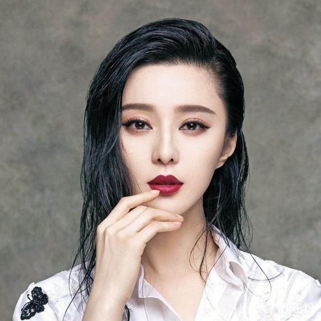 很多网友对于李晨最近一段时间丝毫没有提起范冰冰感到失望,而人家