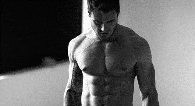 肌肉男停止健身训练,每天只跑步,半年后身材竟变成这样....
