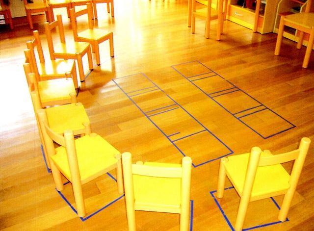 幼儿教室桌子摆放图片