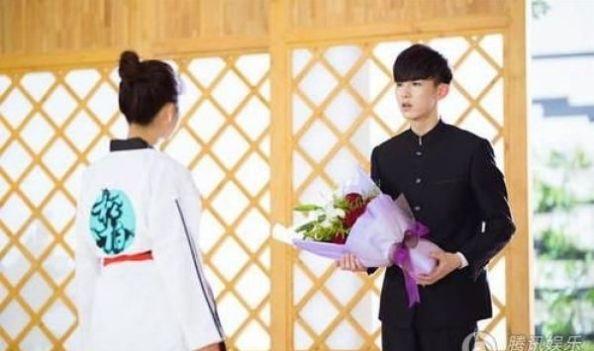 郭俊辰求婚谭松韵现场图这是怎么回事呢?