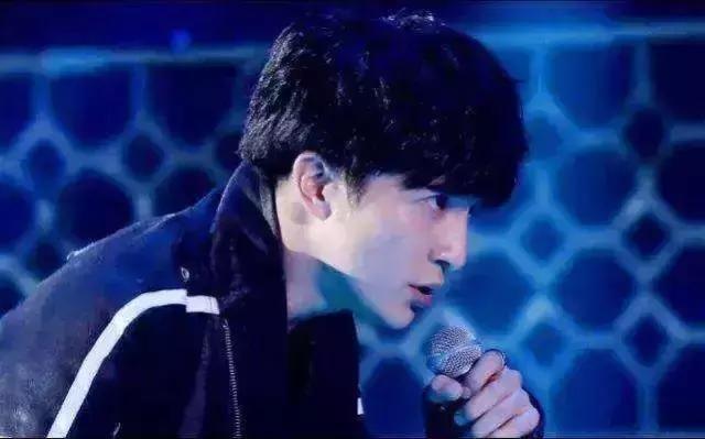 薛之谦:我们的爱情结束的刚刚好