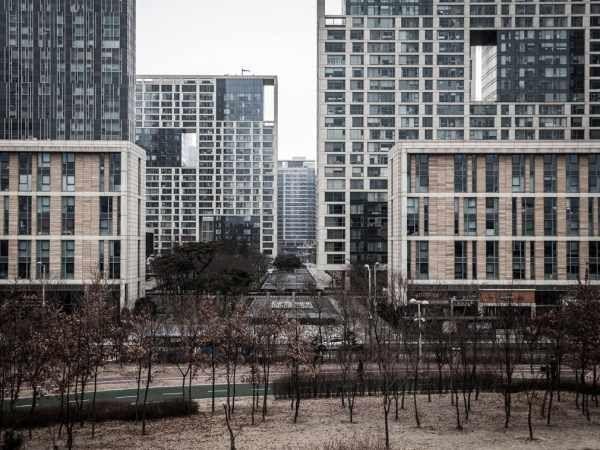 国际 正文  以松岛新城为例,在其4000多亩的中央公园内有一大片湖区