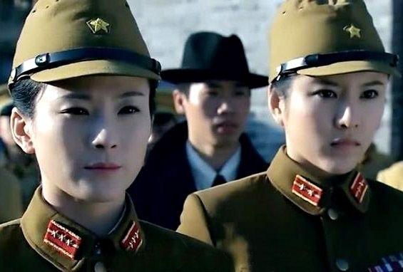 两个派英雄日军劝降热身美女被他两枪全部打美女抗日材舞好图片