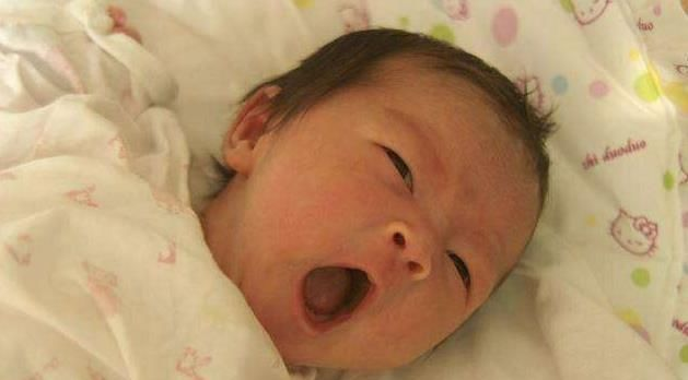 宝宝多大时要开始用枕头?得过了这个月龄后,很多妈妈搞错了