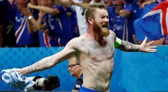 业余的冰岛球队为啥这么牛?中国足球不要面子的啊!