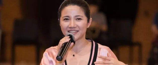 八次夺得影后,比林志玲还美,拍戏只看剧本不看钱,至今未婚!