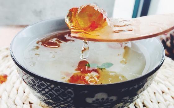 平民燕窝-桃胶越吃越漂亮