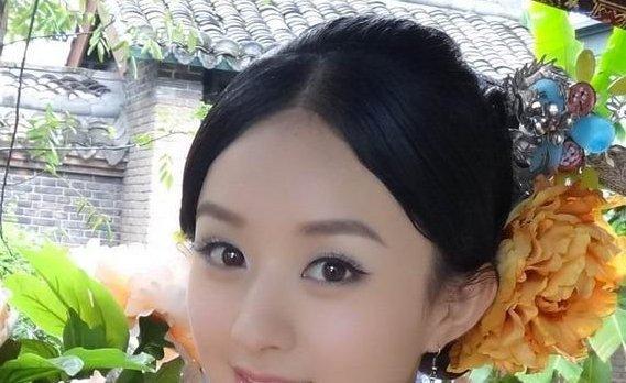 女星头戴牡丹花比美,范冰冰佟丽娅倾国倾城,而她一出场撩倒众人