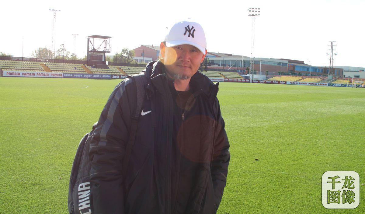 北控凤凰足球俱乐部原主教练刘英卸任 于允任