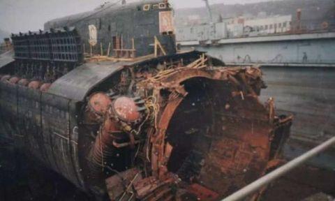 俄最高机密核潜艇被烧毁,14名高官吸入毒气致死!为何美不淡定?