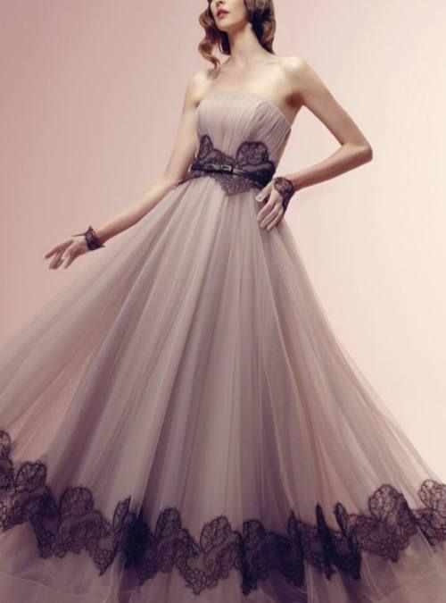 金牛座:这样的婚纱看上去还真是挺梦幻的呢 双子座:双子座的新娘是最