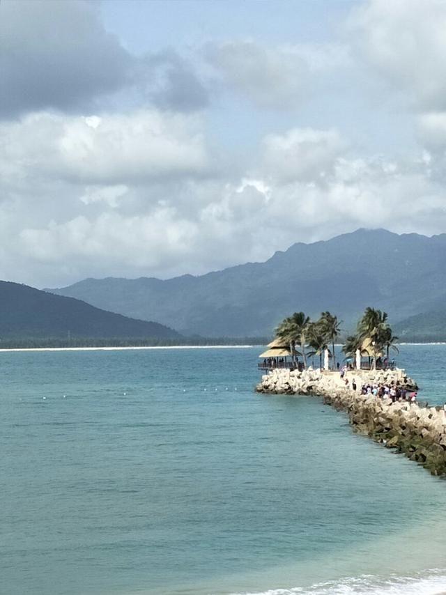 全家一起游三亚碧海蓝天间的享受