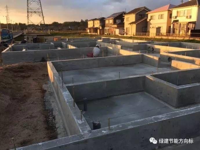 被动房采暖制冷新技术:地埋管新风系统节能建筑的建造过程分享