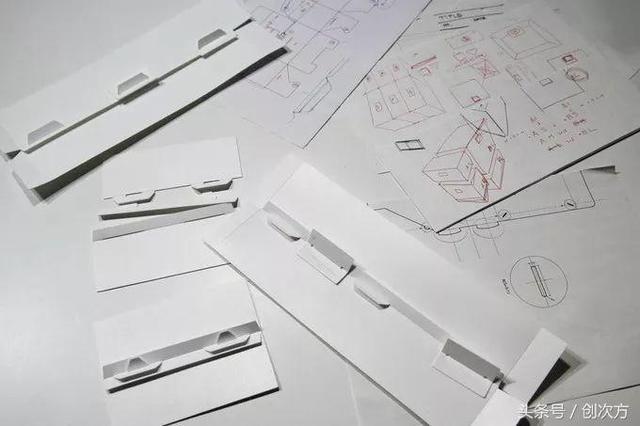 专利轻量化设计,独特的契合结构增强盒子的稳固性和承重能力.