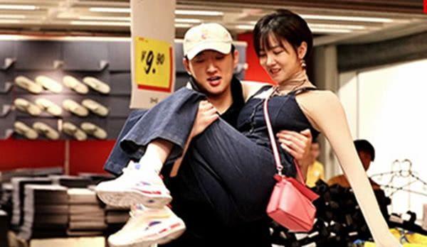 陈小纭不允许男友碰手机,于小彤发现猫腻醋意大发!姐弟恋的弊端