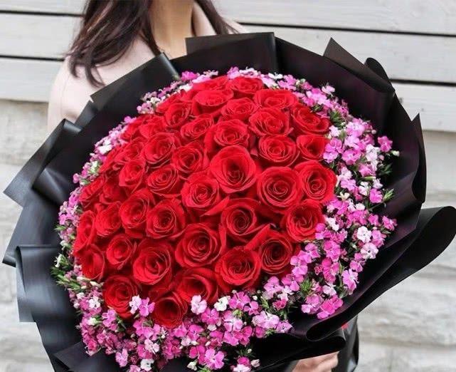 3束玫瑰花,TA会拿哪一束跟你表白?测TA值得你付出一生吗