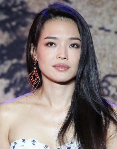 前方高能:方脸女生最适合的发型以及眉形搭配