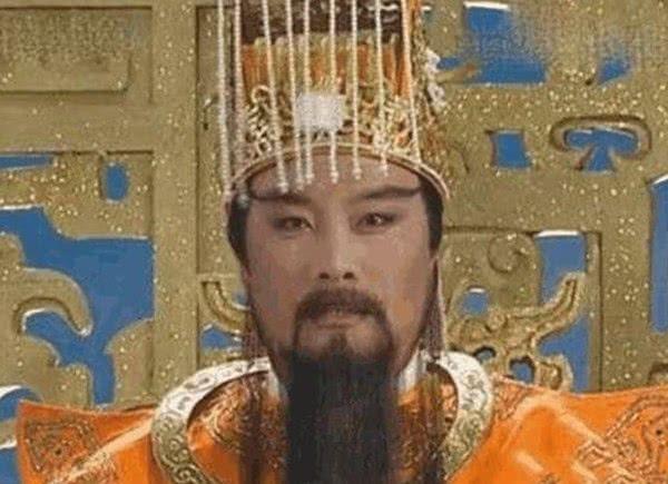 他曾扮演过玉皇大帝,因太逼真被印到冥币上,自称内心不是滋味!