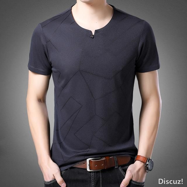 男人别总衬衫搭西装试试这十款短袖T恤衫帅的让人移不开眼
