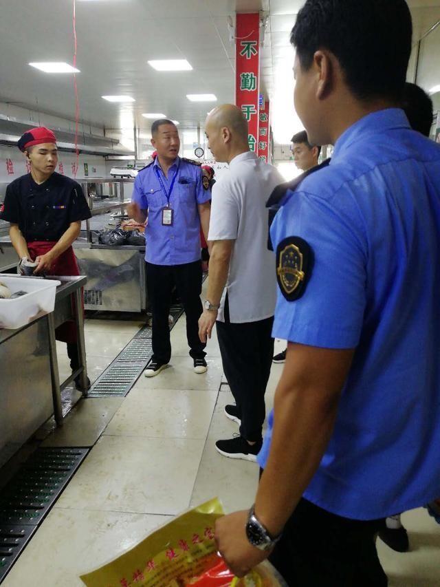 遂平县加强夏季餐饮单位食品安全监管