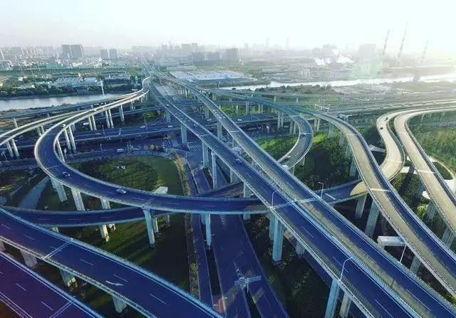南通西站综合交通枢纽工程的规划建设不仅服务南通市区,同时也 服务