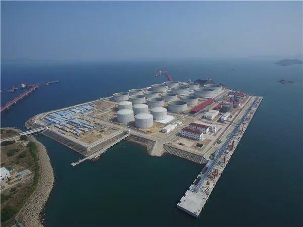 惠州港燃料油30万吨级码头主体工程已完工.