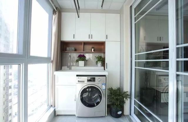 洗手盆or拖把池,阳台更应该装哪个?